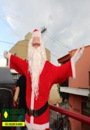 Papai Noel da Associação Comercial e Empresarial de São Joaquim da Barra chegou trazendo alegria